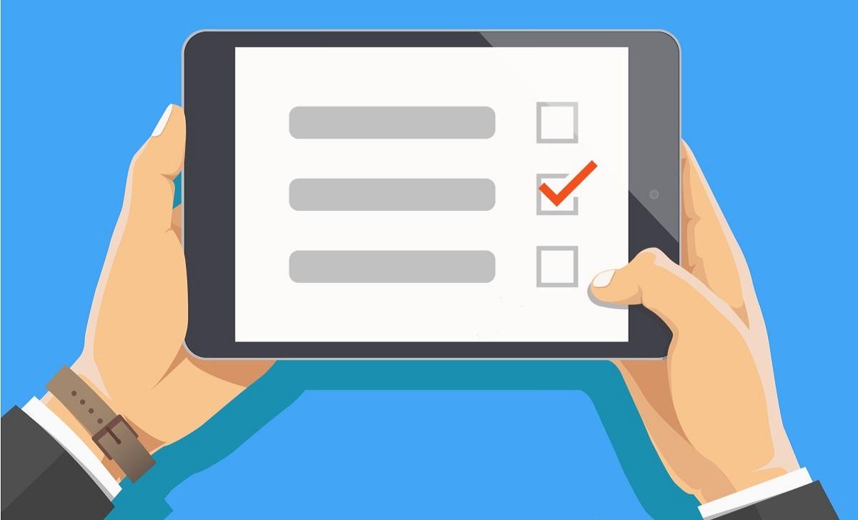 Ipad con checklist. Estandarización de procesos en franquicias.