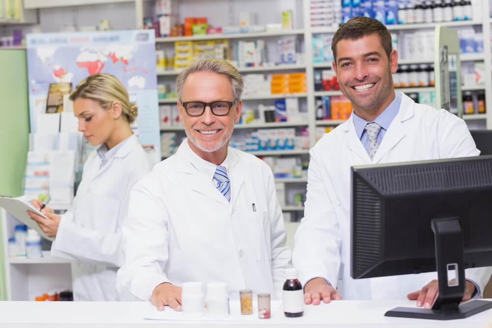 10 passos para melhorar a gestão de equipes em farmácias